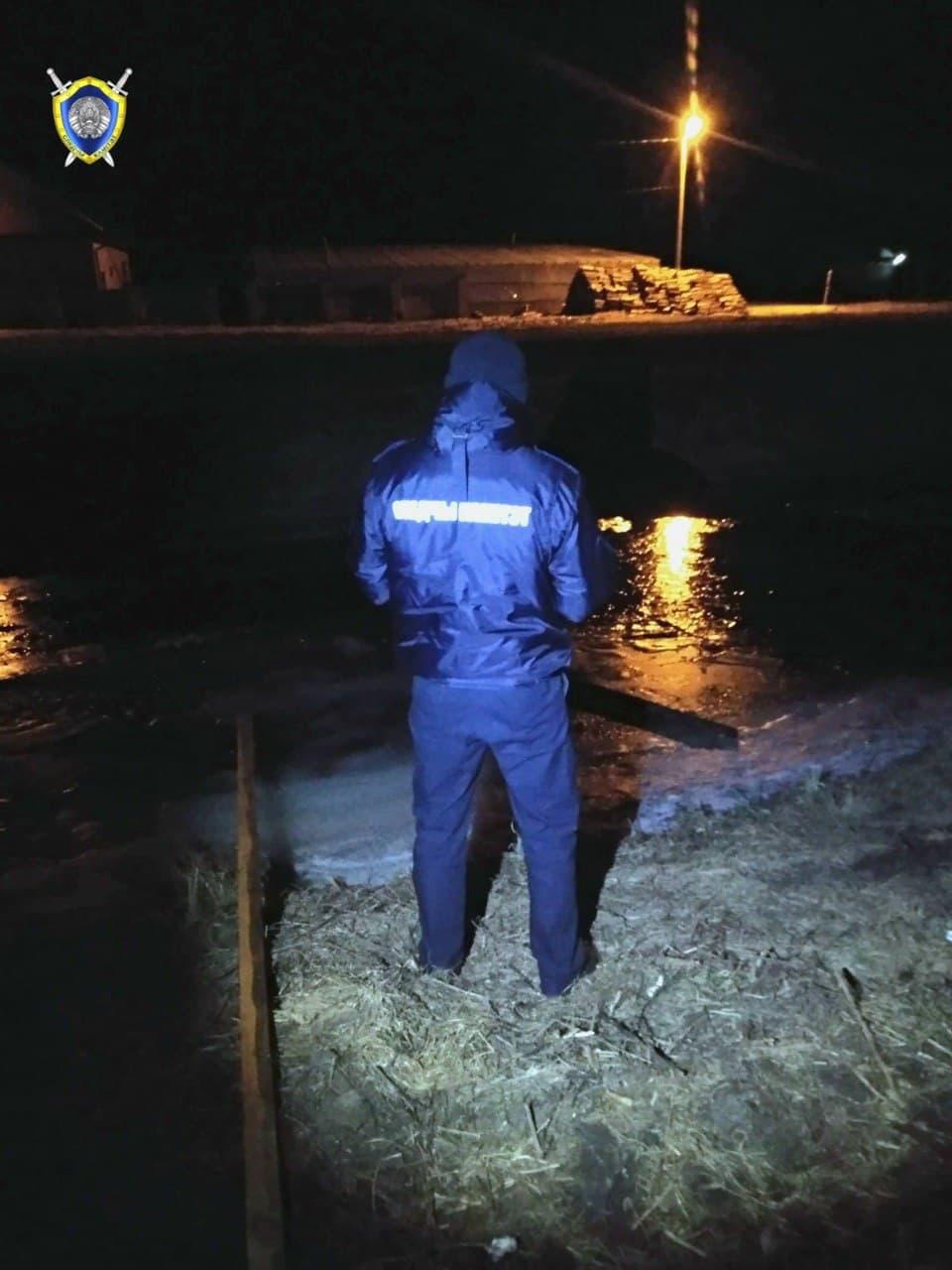 На мелиоративном канале в Столинском районе провалился под лед и утонул школьник