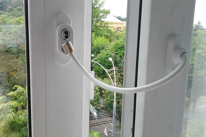 Как сделать окна безопасными для детей?