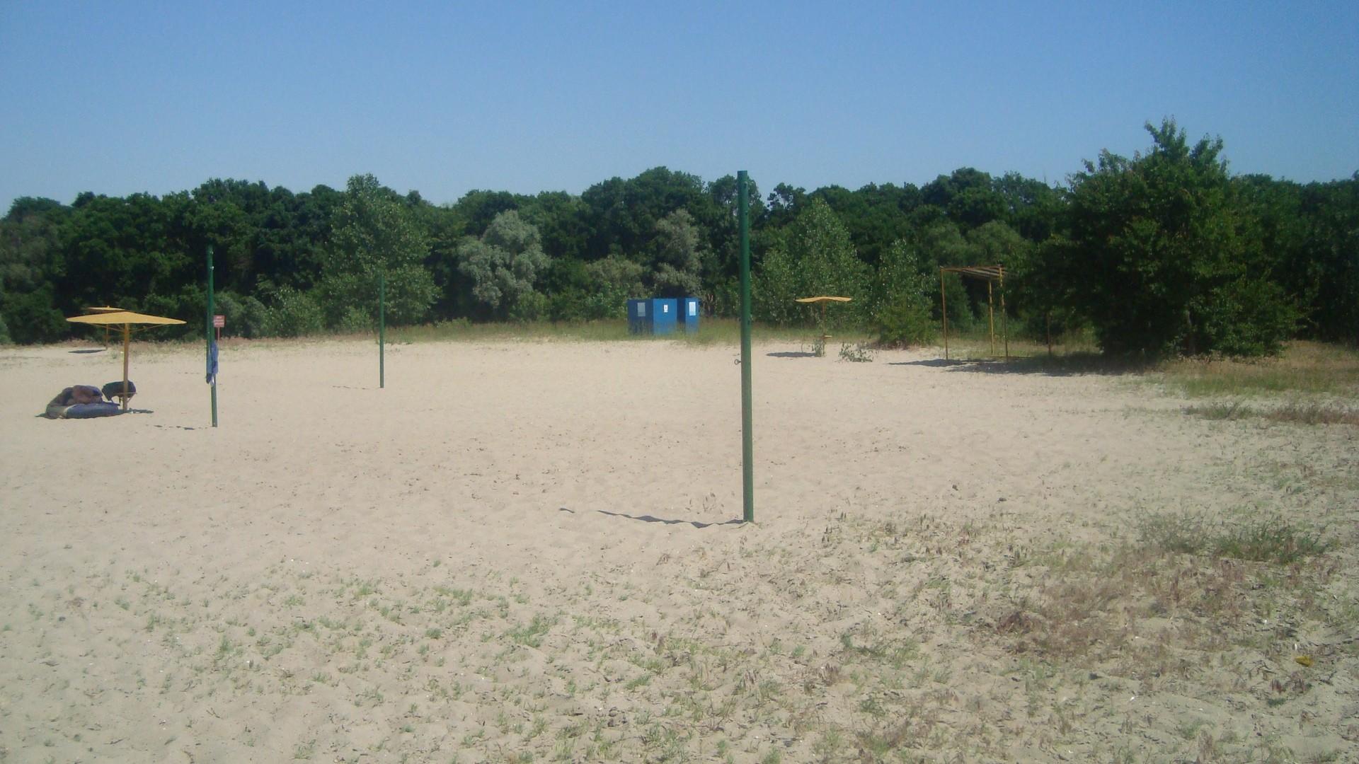 В каком состоянии городской пляж Пинска в разгар купального сезона?
