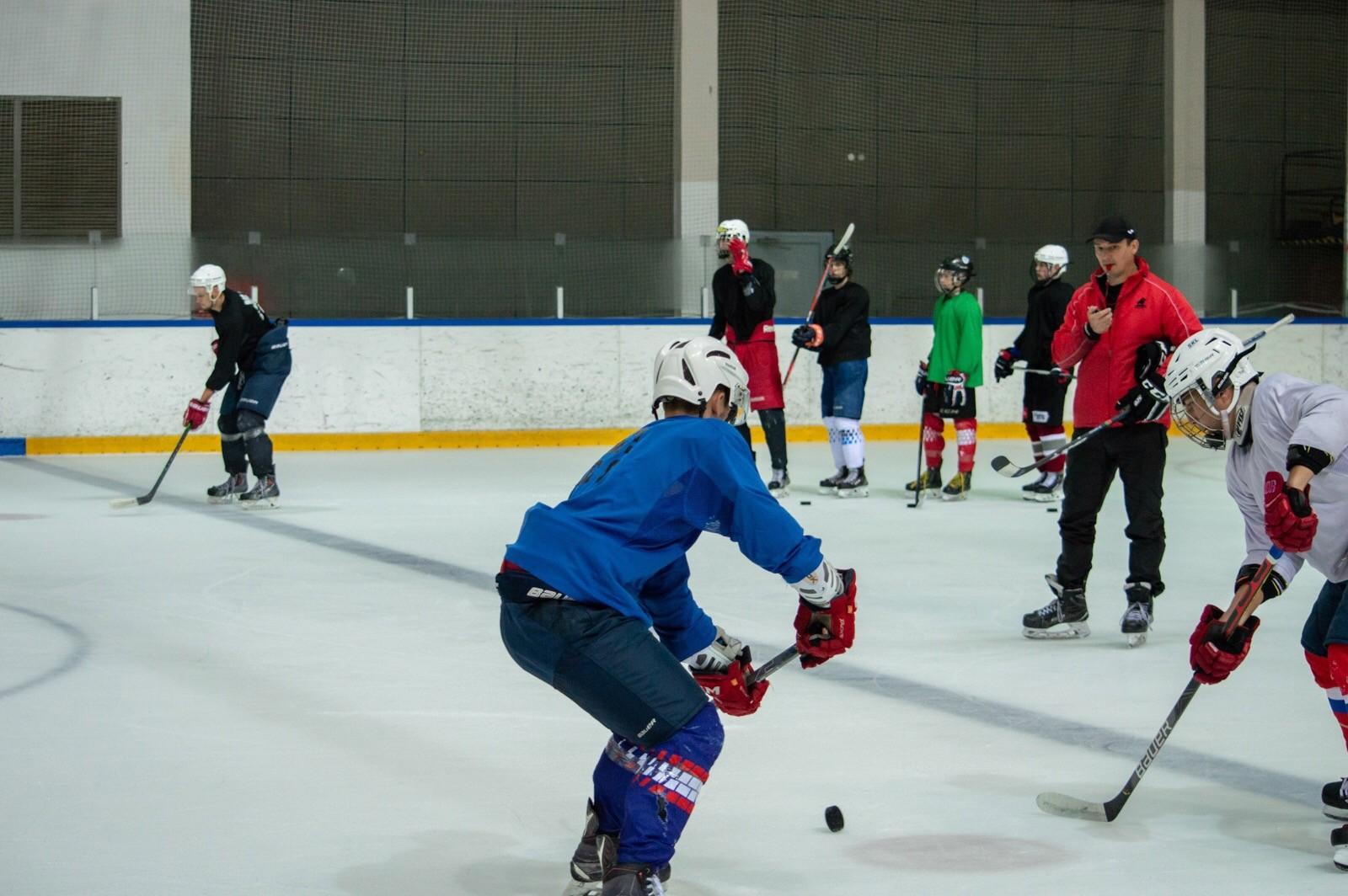 Вакансии в пинском хоккее есть, но давно заняты
